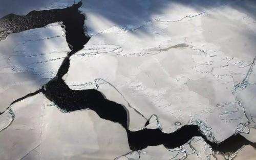 Ученые: Ледники Антарктиды тают изнутри