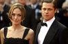 Анджелина Джоли и Бред Питт © РИА Новости, Алексей Петров