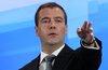 Медведев поставил цель увеличить долю малого бизнеса до 50%
