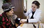 Пенсионерка на приеме у врача © KM.RU, Кирилл Зыков