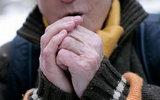 Холод в конечностях: что это может означать и как с этим бороться?