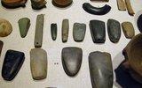 Первыми деньгами были заготовки для каменных орудий