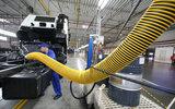 Российским госкомпаниям запретят закупки импортной автотехники