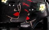 Итальянские дизайнеры создали обувь по мотивам картин Гогена