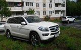 Московских водителей предупредили о недопустимости парковки на газонах