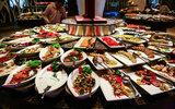 В Турции признались в повторном использовании еды со шведского стола