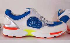 Chanel выпустили небольшую коллекцию спортивной обуви.