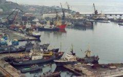 Порт Корсаков на Сахалине. Фото с сайта foto.lib.ru