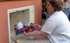 Спасут ли «беби-боксы» от вала убийств новорожденных?