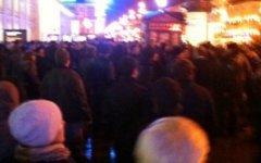 Акция протеста у Гостиного двора. Фото пользователя «Твиттер» @azhov