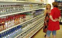 В Украине выросли объемы производства и реализации алкогольных напитков.