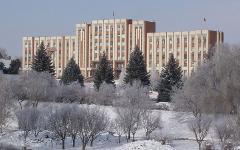 Здание Верховного Совета ПМР в Тирасполе. Фото с сайта wikipedia.org