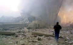Развалины Всемирного торгового центра после терракта 9/11