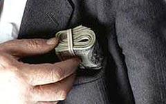 «Будет ли правительство Медведева по-настоящему бороться с коррупцией, никто не