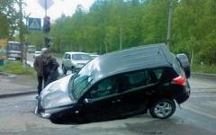 Ремонт подвески оплатят дорожники, фото с сайта automobiler.msk.ru