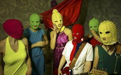 Pussy Riot. Фото Игоря Мухина с сайта wikipedia.org