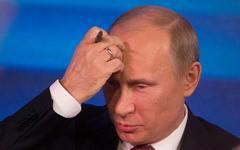 Президент провел первое в новом году совещание по экономическим вопросам  Читать полностью: http://www.km.ru/economics/2013/01/17/vladimir-putin/701682-putin-osoznal-chto-rossiya-na-poroge-sereznogo-krizisa