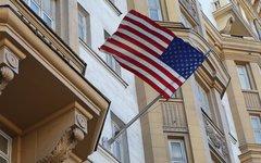 Флаг на посольстве США © KM.RU, Алексей Белкин
