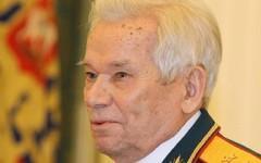 Михаил Тимофеевич Калашников. Фото с сайта wikimedia.org