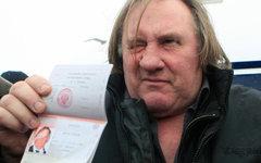 Актер Жерар Депардье с российским паспортом © РИА Новости, Юлия Честнова