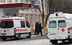 Машины скорой помощи у школы № 263 © РИА Новости, Максим Блинов