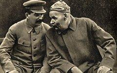 Сталин и Горький. Фото с сайта wikipedia.org