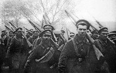 Солдаты царской армии отправляются на фронт (1914 г.) © РИА Новости