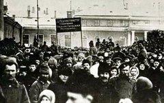 Мартовские демонстрации 1917 года на Невском проспекте. Фото Jones Stinton с сай