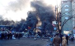 Февральские беспорядки в центре Киева. Фото пользователя Твиттера @silyakov