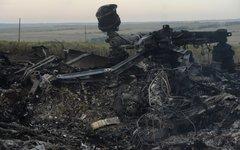 На месте крушения малазийского самолета Boeing 777 в районе города Шахтерск Доне
