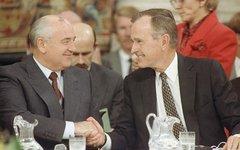 Джордж Буш и Михаил Горбачев. Фото с сайта nnm.me