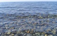 Байкальская вода чрезвычайно прозрачна. Фото Xchgall с сайта wikimedia.org