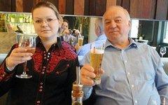 Сергей Скрипаль и его дочь Юлия. Фото из соцсети