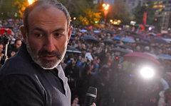 Никол Пашинян на акции протеста в Армении. Фото с сайта armeniasputnik.am