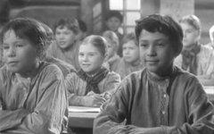 Кадр из фильма «Сельская учительница». Фото с сайта kino-teatr.ru