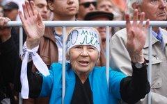 Пенсионерка на митинге © KM.RU, Дарья Семина