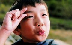 Глухонемой ребенок. Фото с сайта blog.daum.net