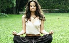 Медитация. Фото с сайта nutrihealth.in