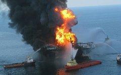 Авария на платформе Deepwater Horizon. Фото с сайта wikipedia.org