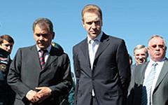 Сергей Шойгу и Игорь Шувалов. Фото с сайта mchs.gov.ru