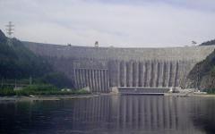 Саяно-Шушенская ГЭС. Фото с сайта wikipedia.org
