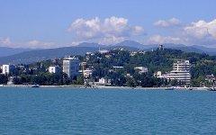 Вид на Сочи с моря. Фото с сайта wikipedia.org