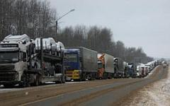 Пробка на трассе М-10 © РИА Новости, пресс-служба МЧС России