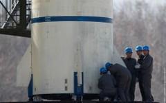 Монтаж ракеты. Фото с сайта militaryrussia.ru
