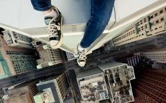 Подросток на крыше. Фото: liveinternet.ru