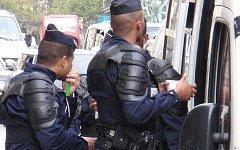Французская полиция. Фото с сайта blog.travelpod.com
