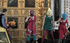 Акция Pussy Riot. Фото из «Живого Журнала» (pussy-riot.livejournal.com)