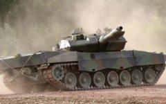 Немецкий танк Leopard 2. Фото с сайта deutschesheer.de