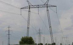 Линия ЛЭП. Фото Дмитрия Ратникова с сайта wikipedia.org