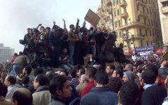Демонстранты на площади Тахрир в Каире. Фото Ramy Raoof с сайта wikipedia.org